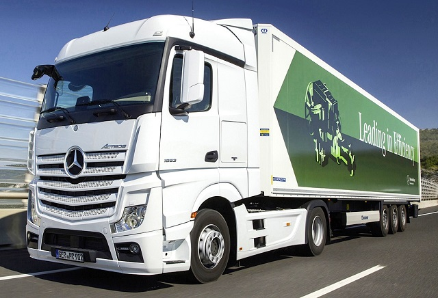 Michelin has unveiled two new tyres in its fuel-saving X Line Energy range, counting Mercedes-Benz as a launch customer after the manufacturer approved the fitments for its Actros heavy truck.